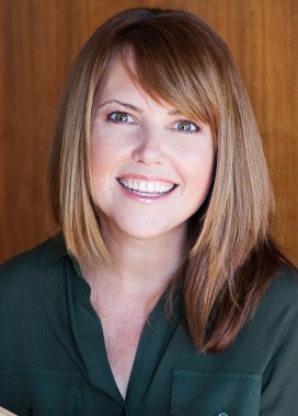 Victoria Piontek_Author Photo
