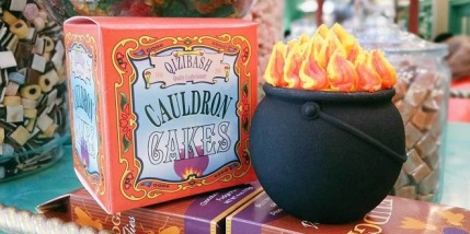 new-cauldron-cake-featured